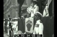 A Pola Sirianni passa in rivista le reclute marinare, 1929.